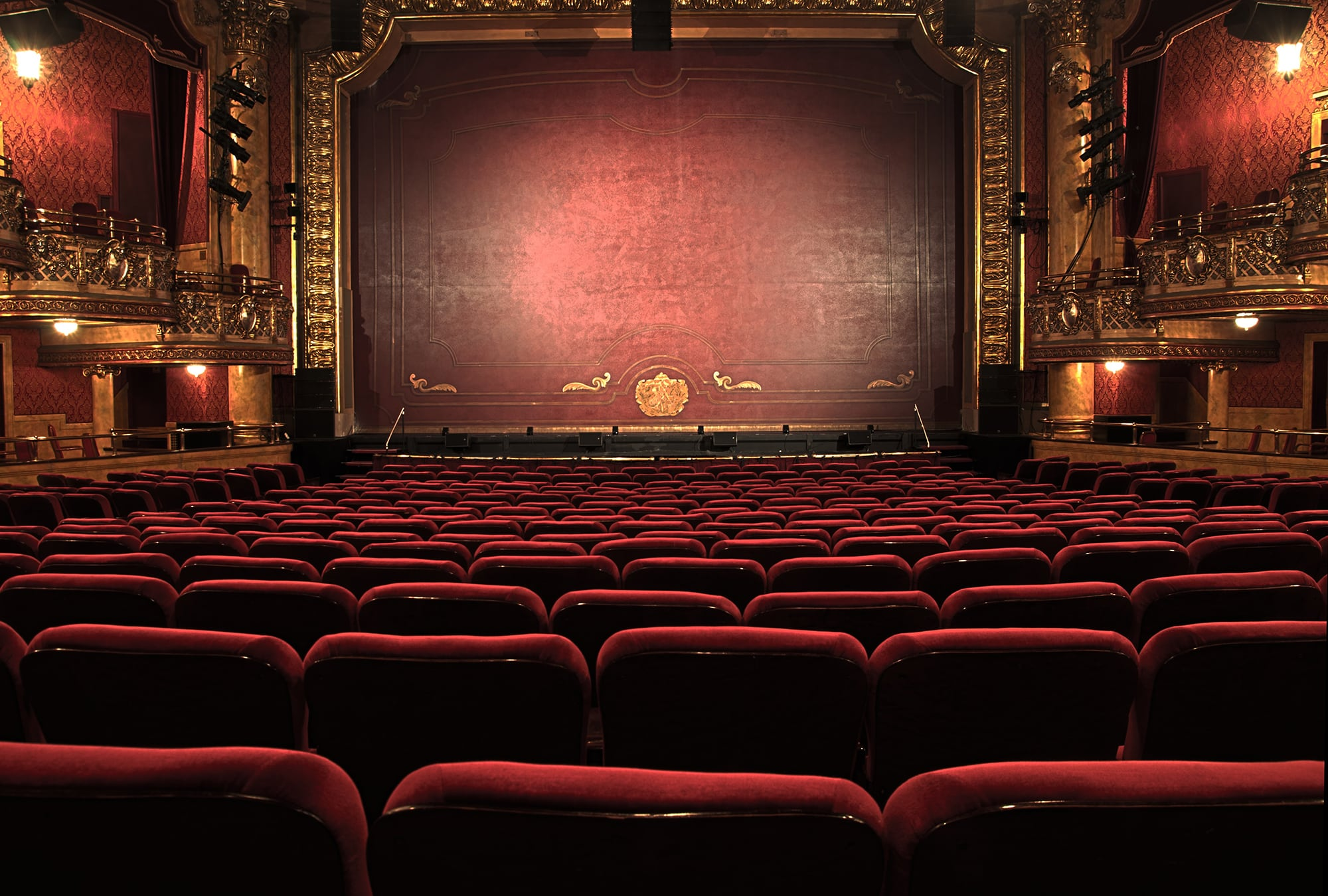 Stay at Dukes Bath and experience the amazing Theatre Royal